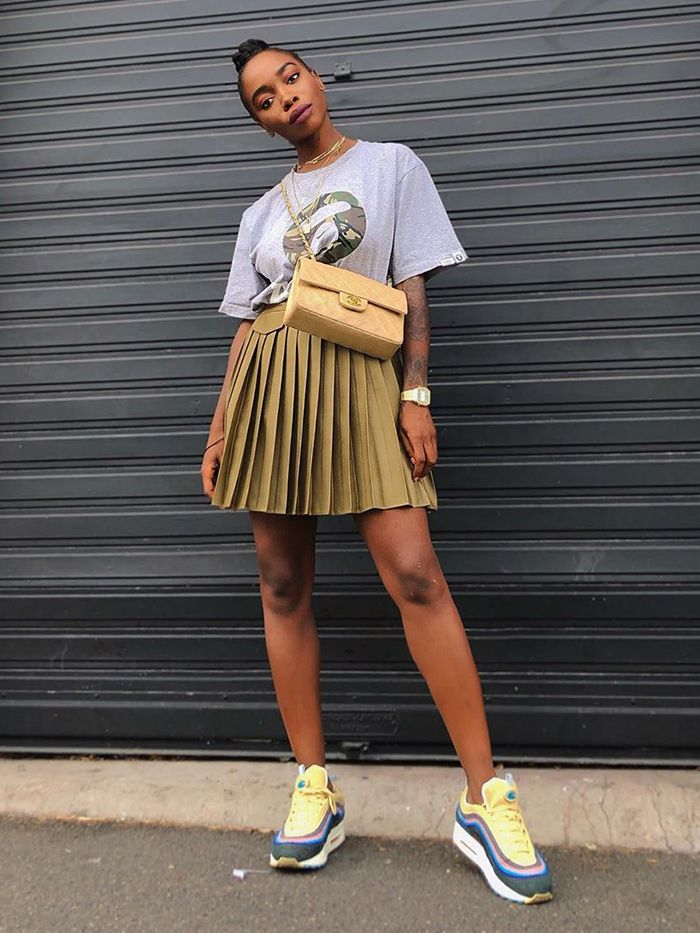 7 Chic Ways French Women Wear a Basic T-Shirt