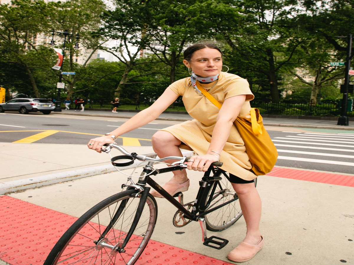 I'm A Fashion Writer Who Bikes To Work — & This Is What I Wear