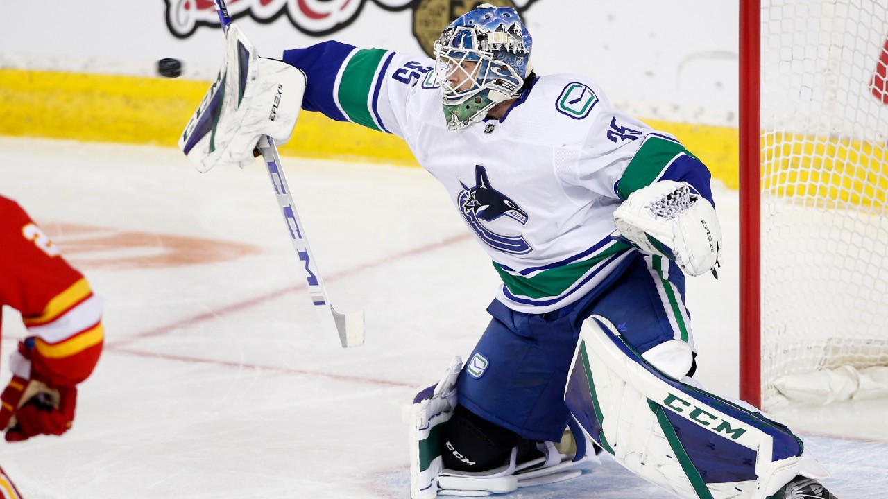 Canucks' Demko to start Friday, suggesting he leads Holtby in goalie battle