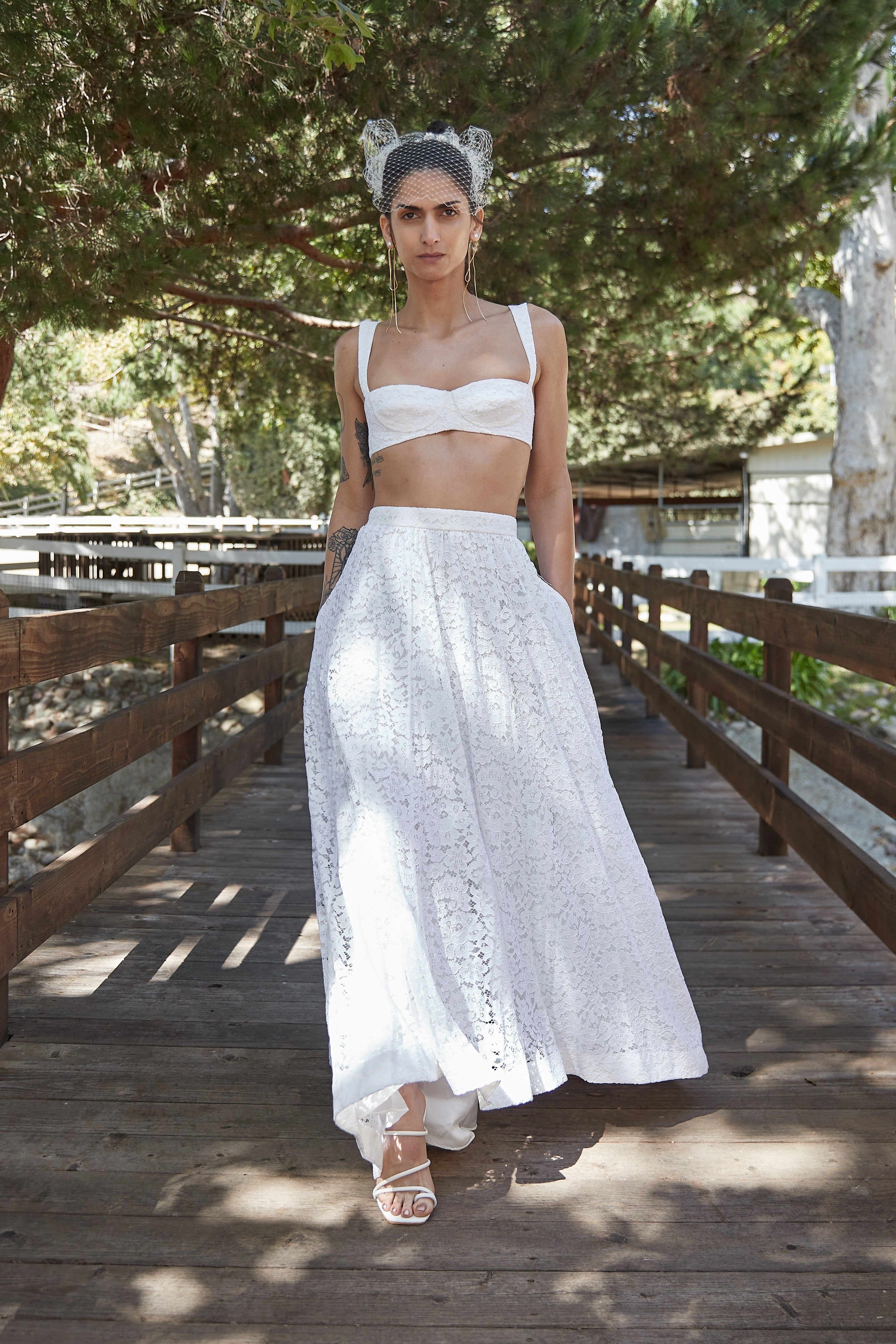 14 Non-Traditional Wedding Looks For Modern Brides