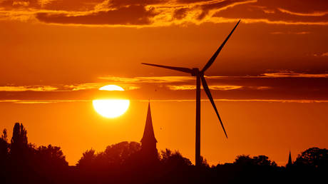 EU's green energy policy must be based on economic & climate concerns, not political competition – Hungarian FM to RT