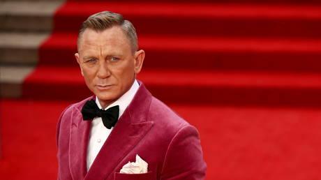 No crime for guy: 'James Bond' star Daniel Craig reveals he visits gay bars to avoid 'aggressive d**k swinging'
