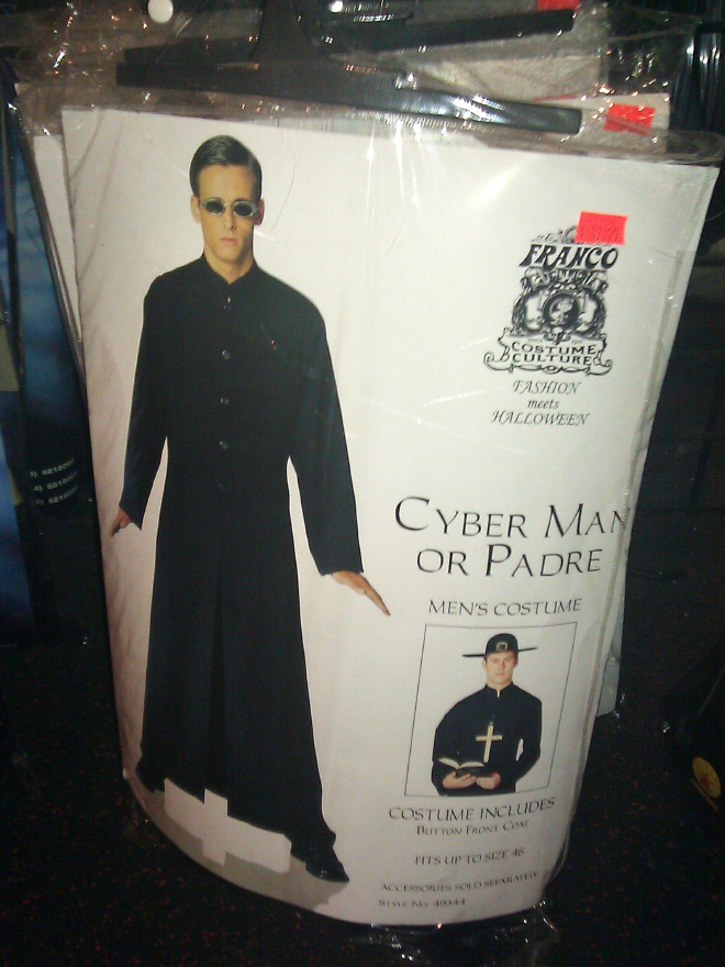 Hilariously Bad Knock-Off Halloween Costumes