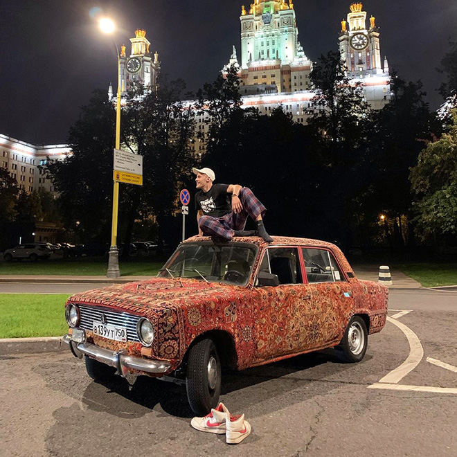 This Guy Carpet-Covered His Soviet-Era Car, Because It's The Most Russian Thing To Do